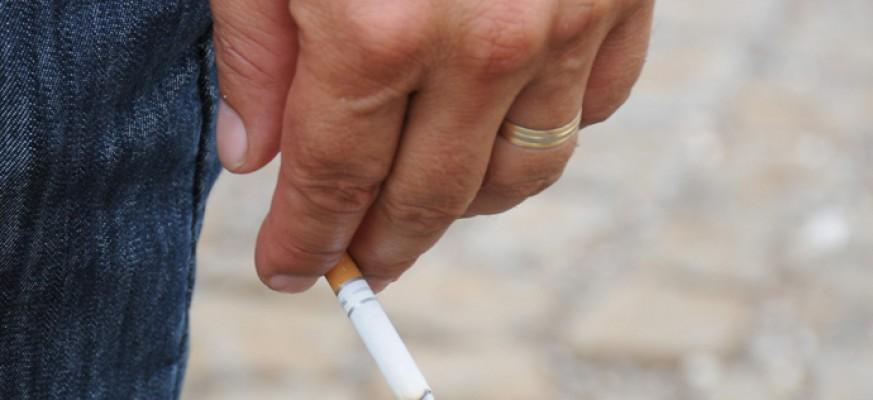 trostruko pušenje besplatno gole slike ebanovine žena