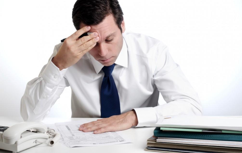 Smanjiti ogromne namete poslodavcima,  radi povećanja zaposlenosti i plaća