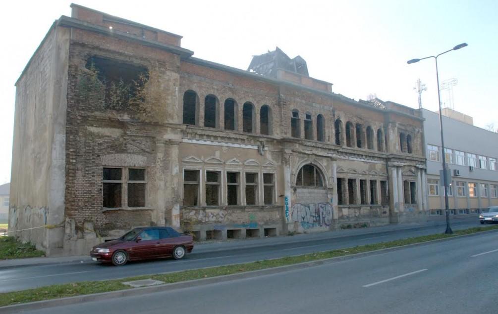 TUZLA kružna pošta izgrađena 1901. bit će uklonjena