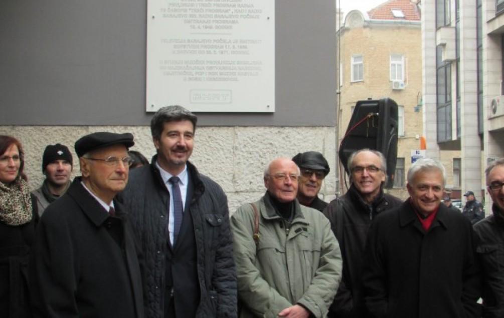 Otkrivena spomen-ploča na nekadašnjoj zgradi Radija Sarajevo