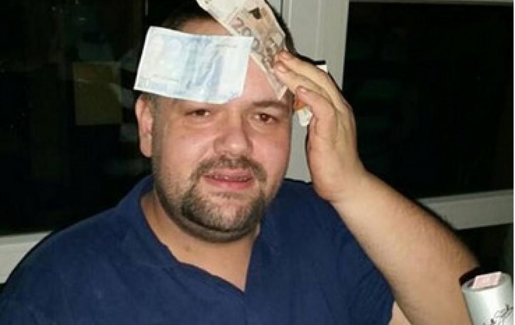 """INVALID U KOLICIMA OPLJAČKAO BANKU Razbojnik službenicima kazao: """"Imam bombu, dajte novac!"""""""