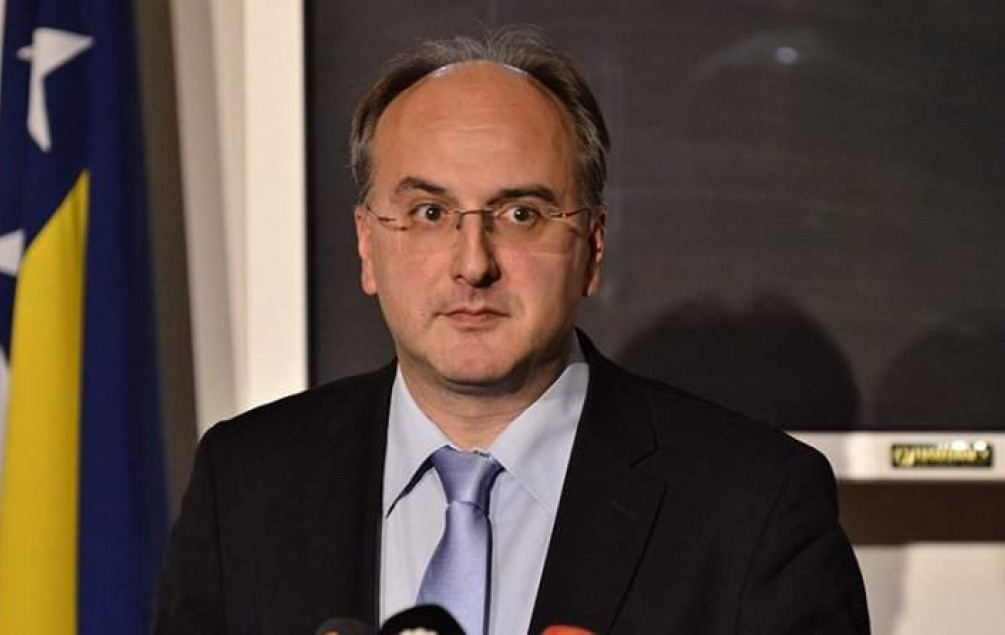 DAMIR ARNAUT: Međunarodni sudovi utvrdili da su vojnici JNA bili legitimni vojni cilj