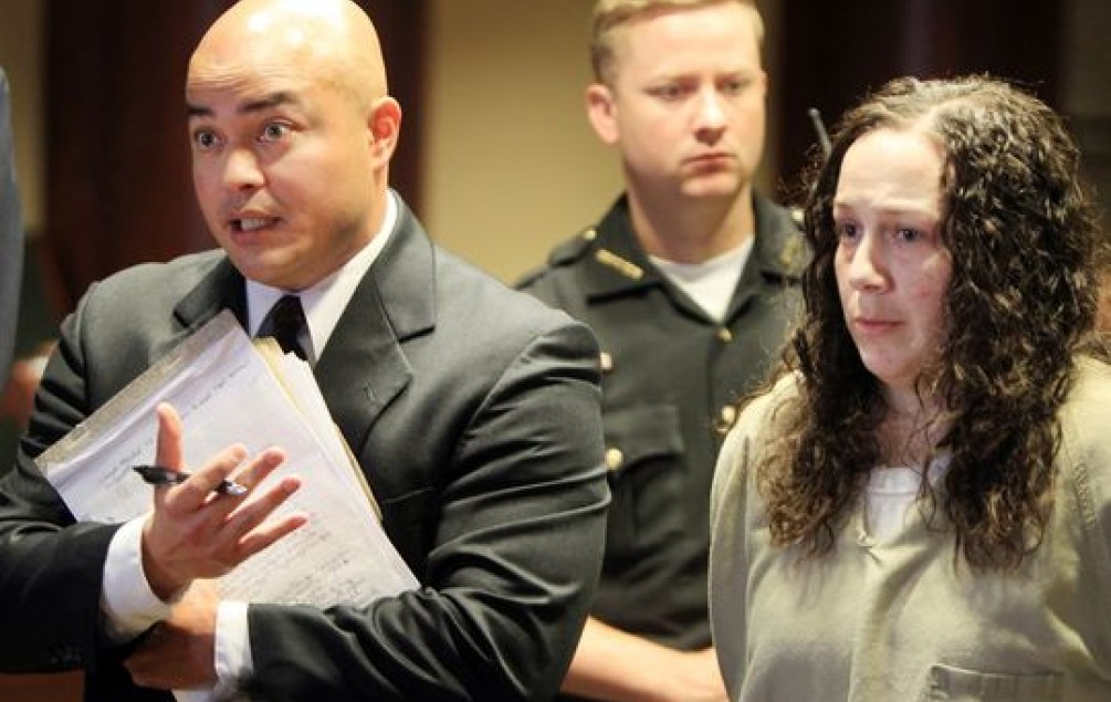 DOBILA 51 GODINU ZATVORA Dileru dozvolila da joj siluje kćerku u zamjenu za heroin!