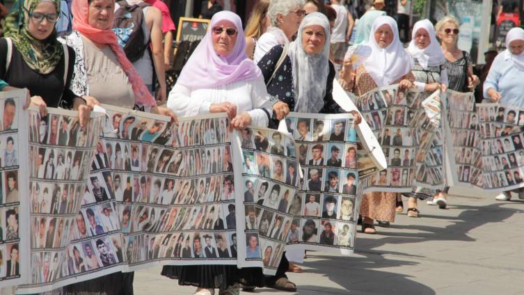 S protesta: Traga se za skoro 1.000 nestalih Srebreničana (Foto: A. Bajrić)