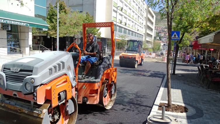 Pri kraju asfaltiranje saobraćajnice prema Španskom trgu