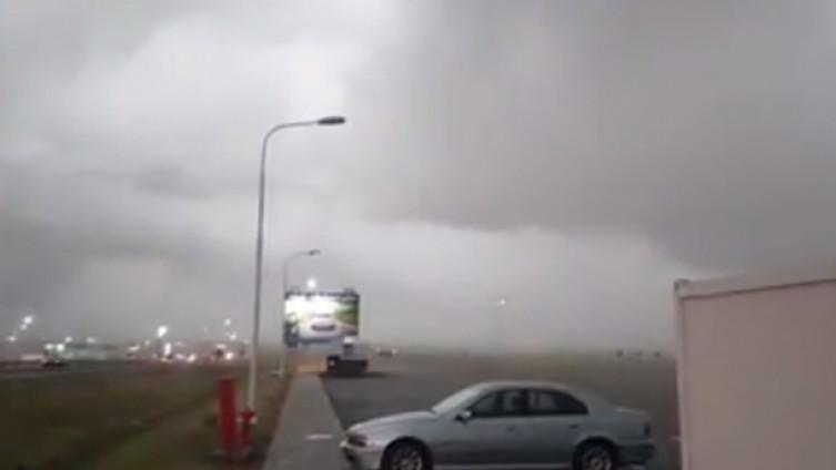 Strašno nevrijeme pogodilo region: Olujni oblak iznad Istre, obilne  padavine na sjeveru Srbije