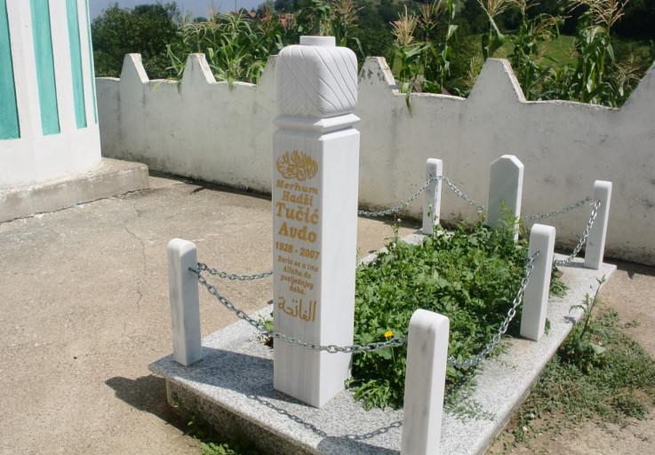 Mezar graditelja Avde Tučića