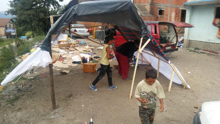 Romi na Grabovcu kišu dočekuju bez svojih domova (Foto: H. Čalić)