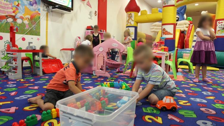Dječije igraonice sve više zamjenjuju toplinu doma (Foto: J. Hadžić/Avaz.ba)