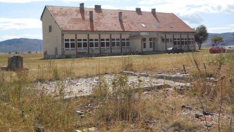 Otužna slika škole u Ravnom (Foto: A. Kamber)