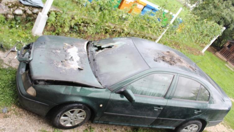 Automobil imama Mustafe ef. Pašića zapaljen u noći 21.septembra