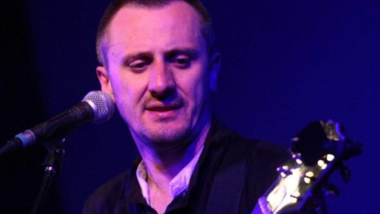 Šaran: Vrsni kompozitor, tekstopisac, gitarista i pjevač