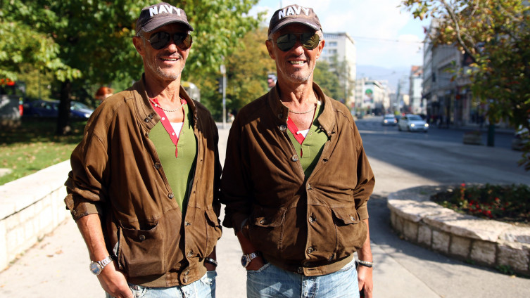 Braća Ibrulj u šetnji Sarajevom: Identični i do najmanjih detalja (Foto: A. Durgut)