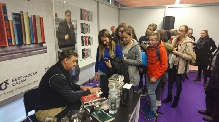 Pašović je potpisivao knjige