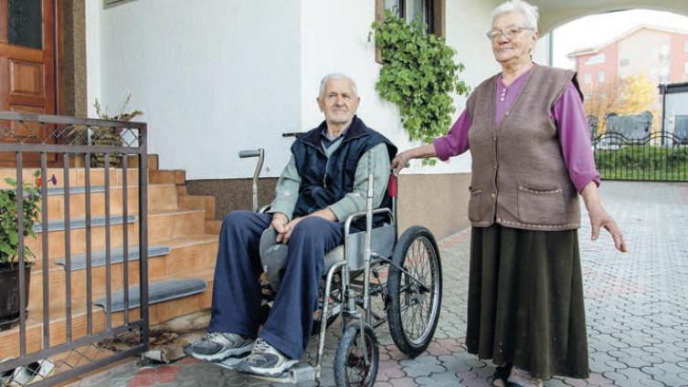 Teufik i Namka: Da je bar ovdje bio, da mu se pomogne (Foto: D. Stojnić)