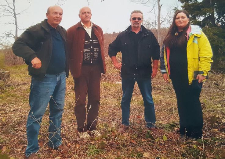 """Arheolozi i članovi """"Preporoda"""" na lokaciji Kaštela"""