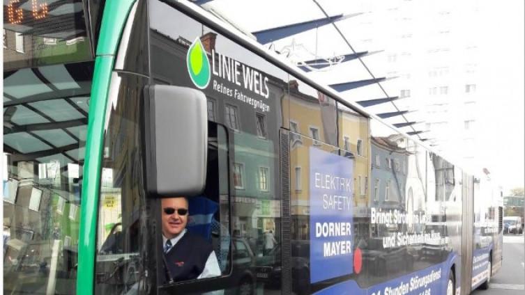 Šaban u Velsu vozi gradski autobus