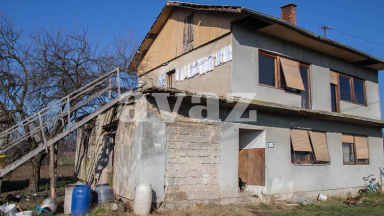 Foto: D. Stojnić (Kuća gdje se dogodilo ubistvo)