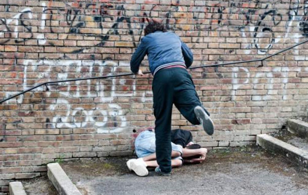 Vršnjačko nasilje: Učenici pretukli druga!