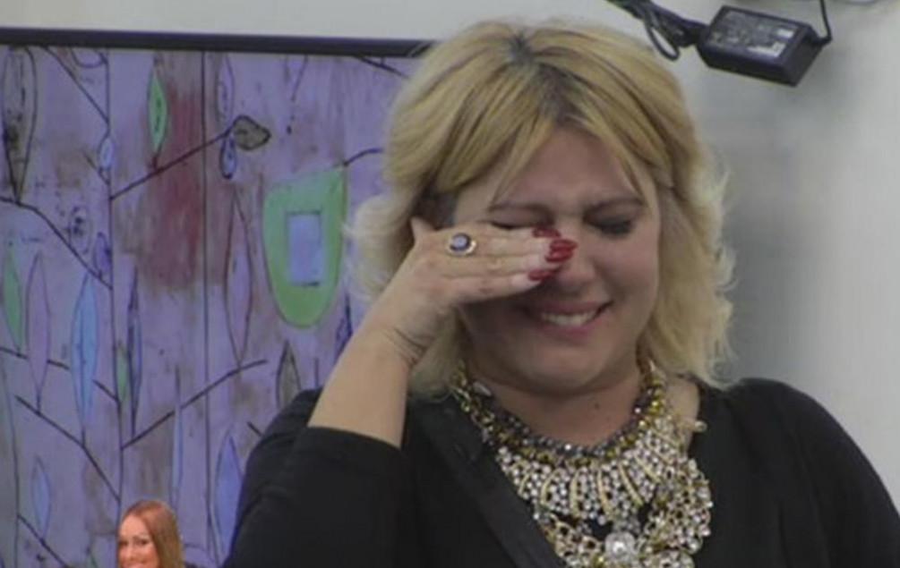 Jelena Golubović u suzama: Miki joj saopćio stravične vijesti iz vanjskog svijeta!