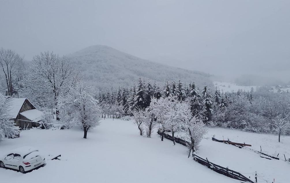 Snijeg stvara probleme u Hrvatskoj, problemi na putevima