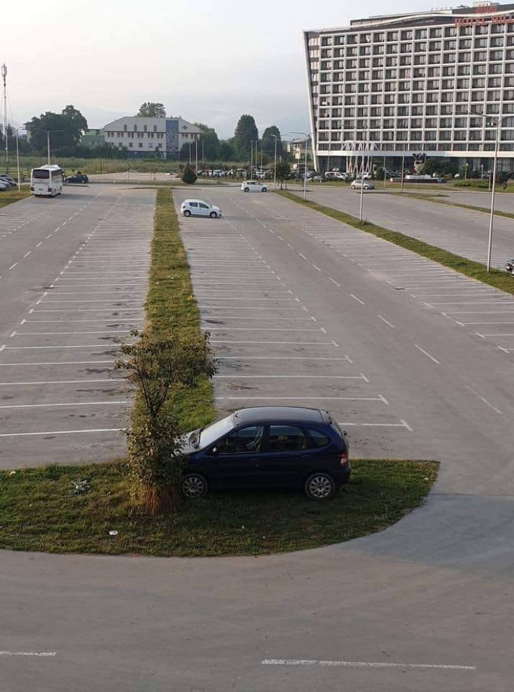 Parking papak - Avaz, Dnevni avaz, avaz.ba