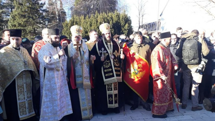 Okupljanje vjernika SPC-a na Cetinju