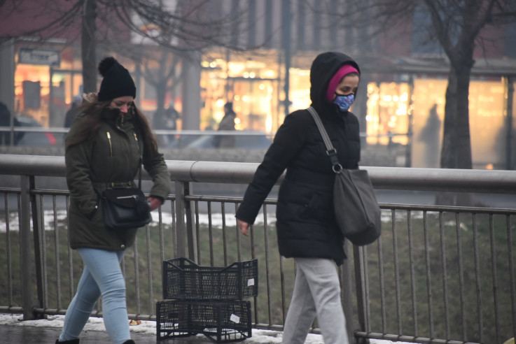 Sarajevo jučer: Zrak izuzetno opasan za zdravlje, građani se pokušavali zaštititi maskama