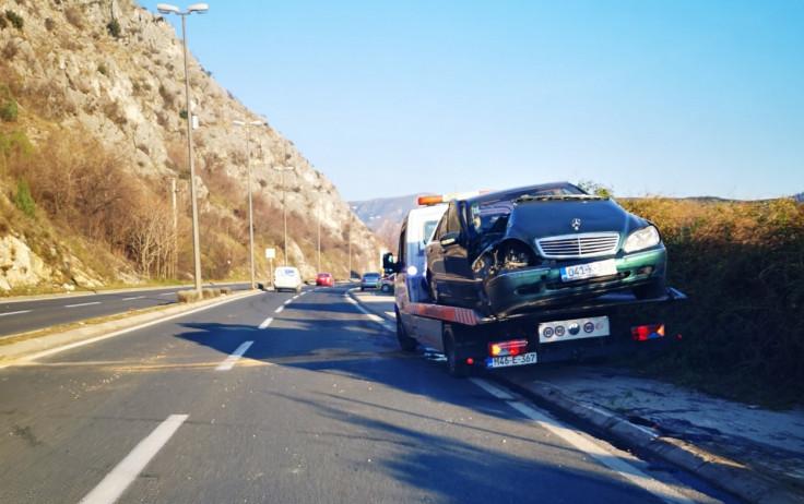 Pričinjena materijalna šteta na automobilu - Avaz, Dnevni avaz, avaz.ba
