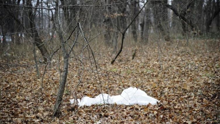 Tijelo pronađeno među drvećem
