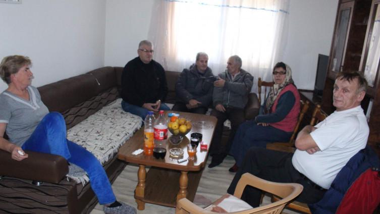 Kuća žalosti: Roditelji i prijatelji tješe Arnautoviće