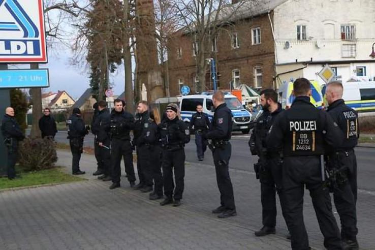 Intervenirale jake policijske snage