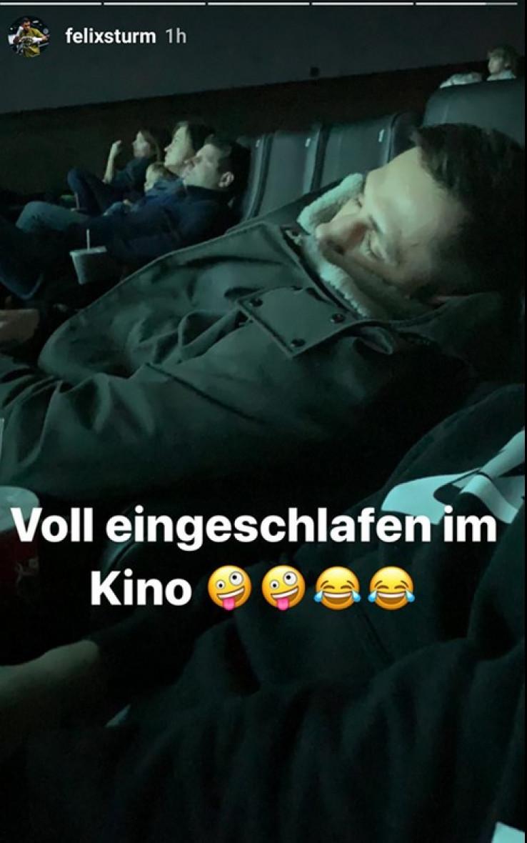Od umora zaspao u kinu