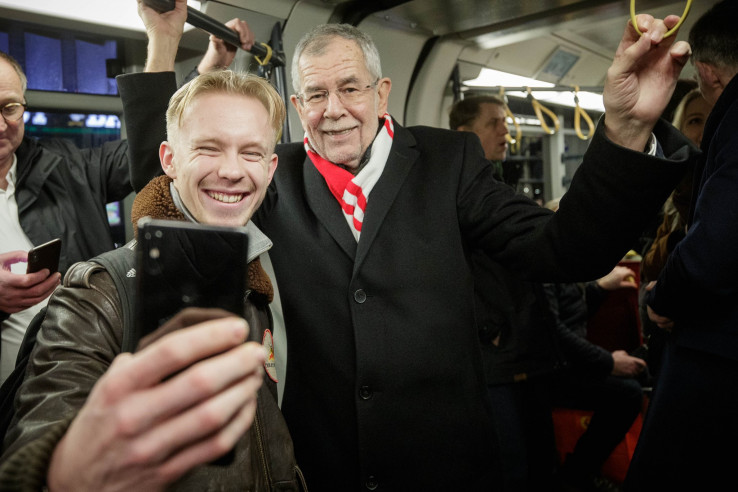 Predsjednik Ausrije i na utakmice ide tramvajem