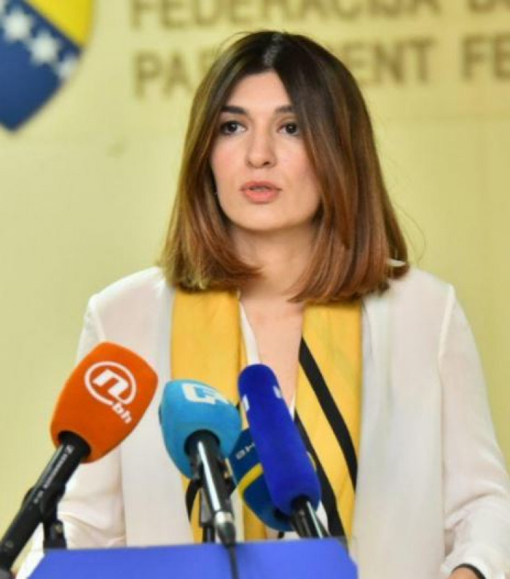 Ćudić: Nezasluženo prima visoke plaće u parlamentu