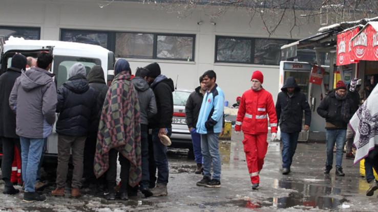 Iz Srbije preko Zvornika u Tuzlu stižu kolone