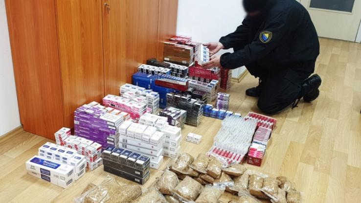 Pronašli 1.380 paklica cigareta