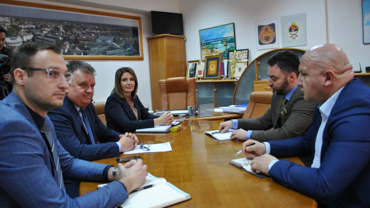 Staša Košarac na sastanku u Bosanskoj Gradišci