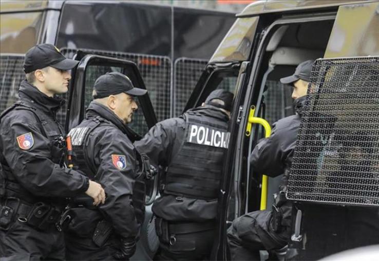 Policajci uhapsili jednu osobu