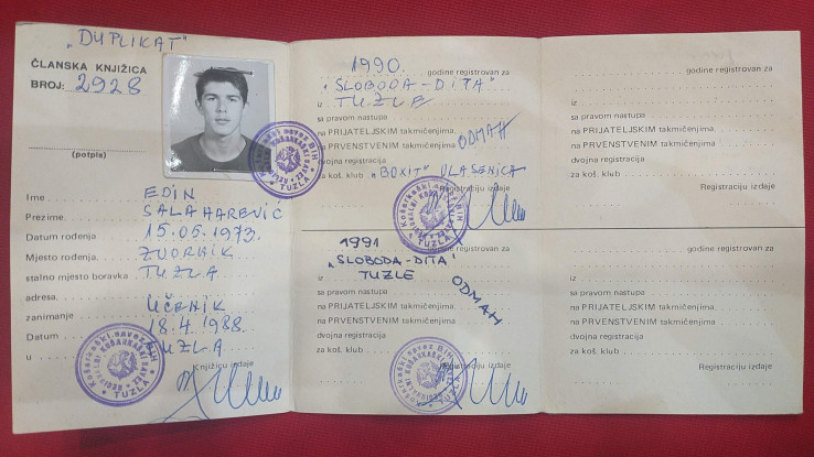 Košarkaška registracija tada 15-godišnjeg Edina Salaharevića  - Avaz, Dnevni avaz, avaz.ba