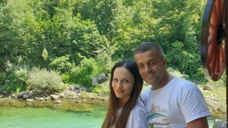 Hakija Špago s djevojkom