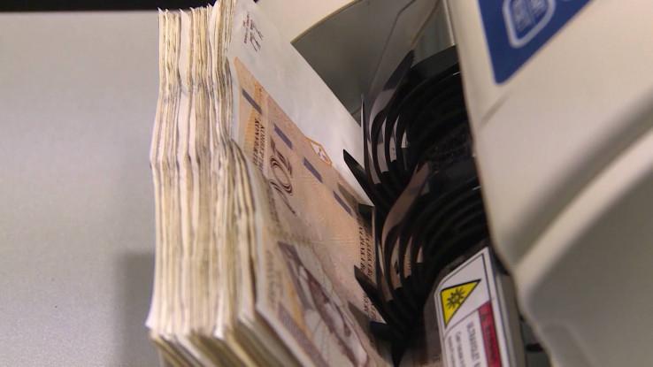U 2019. prosječna mjesečna bruto plaća u FBiH iznosi 1.427 KM - Avaz, Dnevni avaz, avaz.ba
