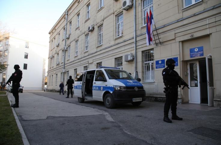 Policajci pretresli više lokacija