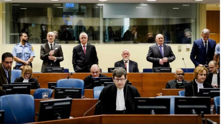 Haški tribunal je u novembru 2017. osudio Prlića skupa s petoricom drugih visokih zvaničnika HRHB-a i izrekao mu zatvorsku kaznu u trajanju od 25 godina