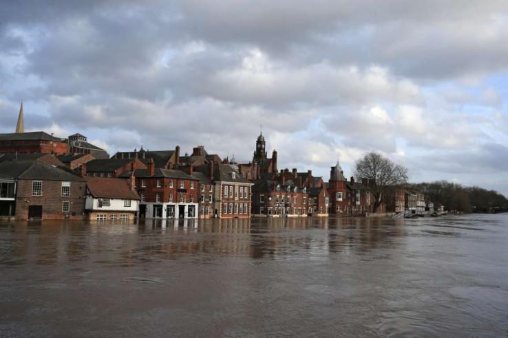 """Britanija se suočava sa posljedicama oluje """"Denis"""""""