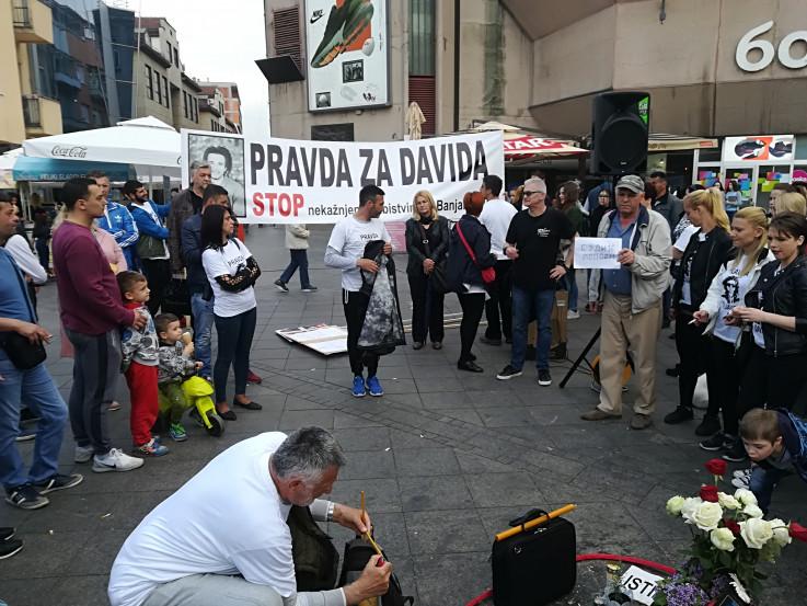 """""""Pravda za Davida"""": Progon i diskriminacija se nastavljaju"""