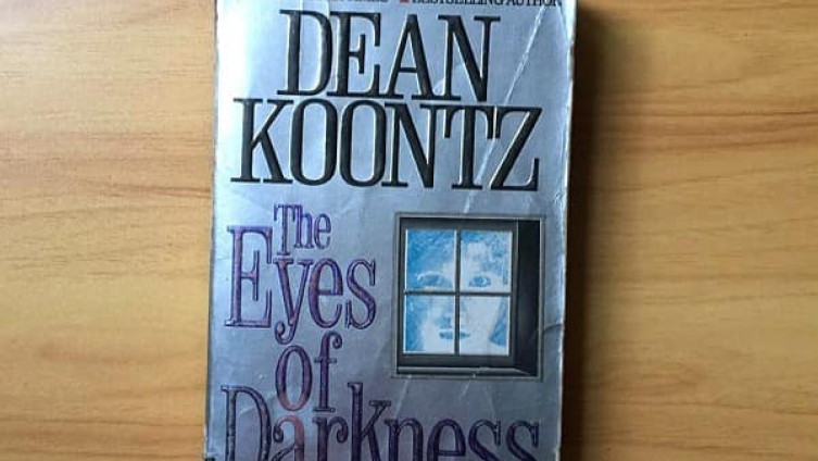 Kunc jezive činjenice opisao u romanu ''The Eyes of Darkness''