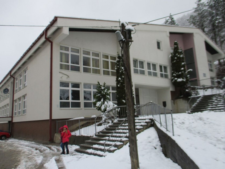 Prva osnovna škola - Avaz, Dnevni avaz, avaz.ba