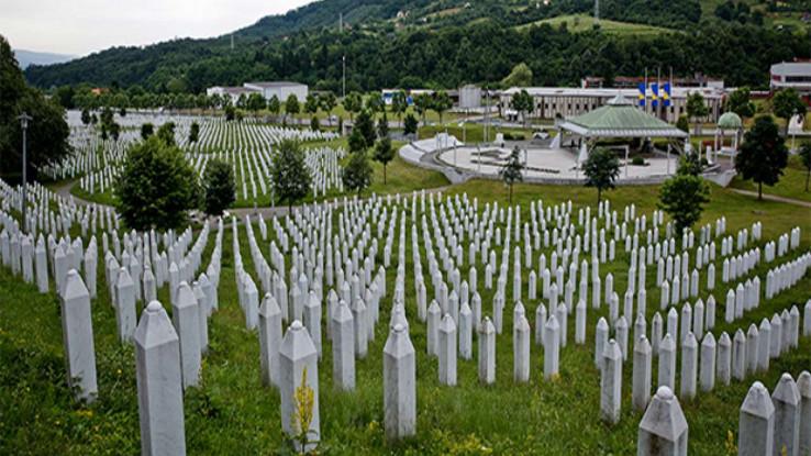 Strašno je da 25 godina poslije genocida ne postoje zakoni koji bi regulirali pitanje negiranja genocida