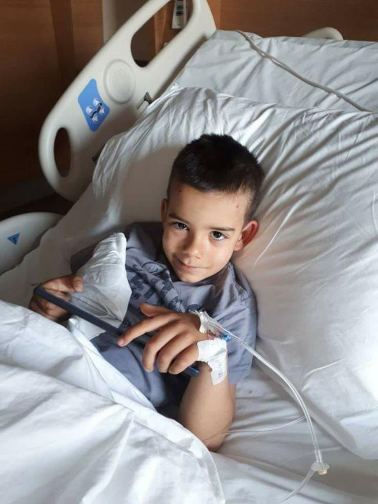 Akil se borio s tumorom - Avaz, Dnevni avaz, avaz.ba